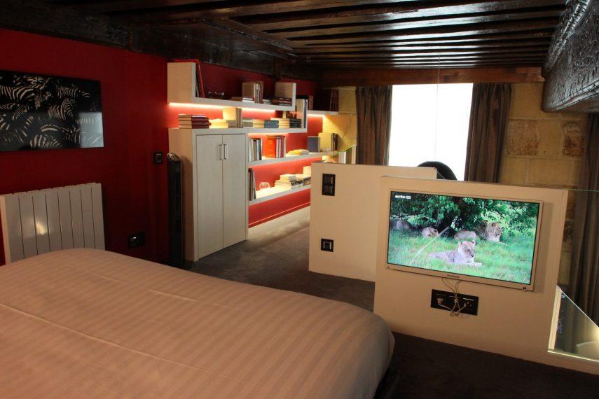 architecture intérieur Ile Saint Louis CHAMBRE MEZZANINE TV (8)