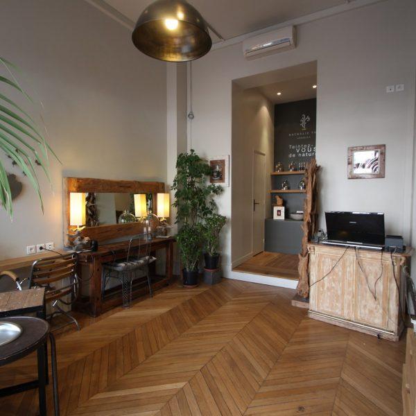 Architecture intérieure salon coiffure BOIS NATURE (2) image à la une